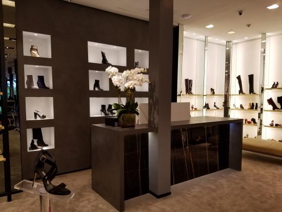 Boutique Jimmy Choo 1